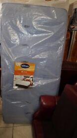 Lovely brand new single mattress very comfortable.