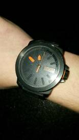 Hugo boss watch can't set time