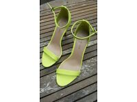 Yellowish New Look size 4