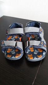 boys sandals size 7uk