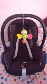 Maxi Cost baby car seat for sale