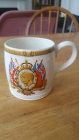 1937 King George's Coronation Mug & Medallion Set