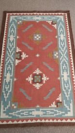 Lovely kilim rug in excellent condition