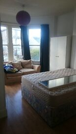 Large double room to rent in Ashley Down