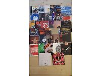 47x VINYL SINGLES - ROCK/POP/INDIE/DANCE/RAP - GNR, AC/DC, RED HOT CHILI PEPPERS, KISS, U2 + MORE