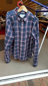 Abercrombie & Fitch shirt Brighton East Bayside Area Preview