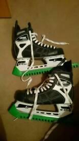 Ice hockey skates size 6.5