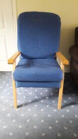 Lounge/Easy chair with beech frame and blue cushions