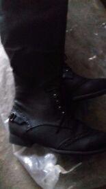 New Ladies Boots Size 6 (1 black pair, 1 brown pair)