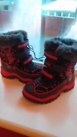 Boys size 9 spiderman boots bnwot