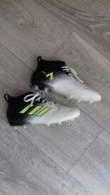Shoes Football Boots / Trainers with studs size 2.5 UK ADIDAS