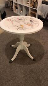 Round coffee/side table white vintage