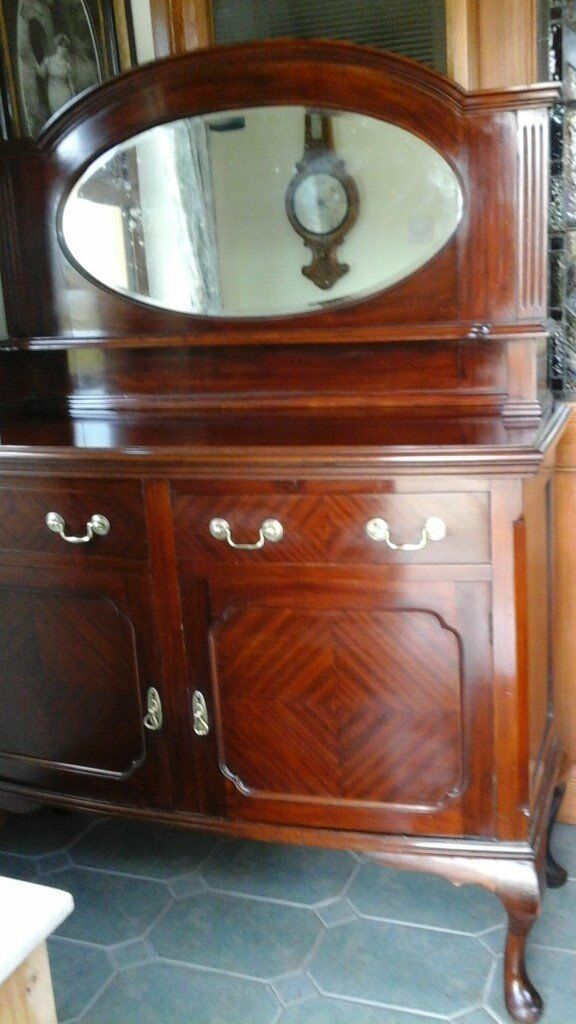 Lovely Mahogany Sideboard in great condition as seen in photographs.