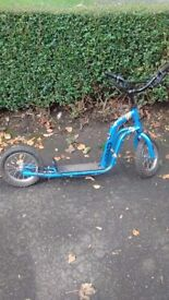 Skootay child's scooter. Colour blue