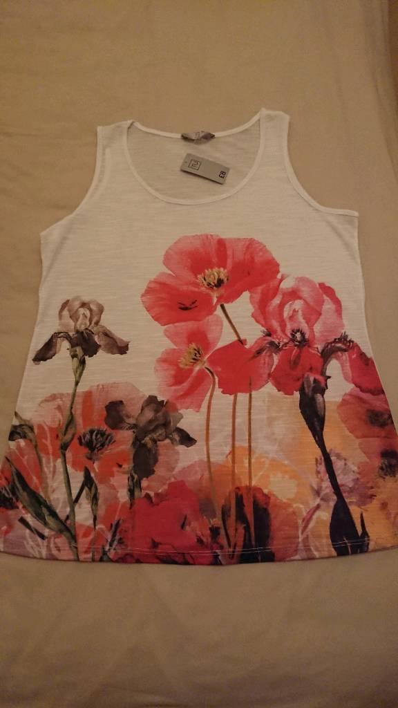 Size 14 ladies vest BNWT