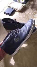 Size 9 Lacoste shoes