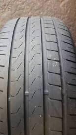 225/45/17 x1 pirelli tyre