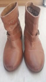 Leighton Ladies Womens Leather Anckle Boots size 6,5/39