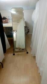 dressing room mirror on wheels ,good condition , height 158cm width 50cm. must collect.