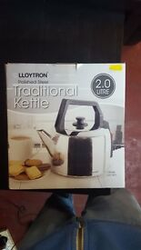 BRAND NEW Lloytron Traditional Corded Kettle 2.0 Litre £10