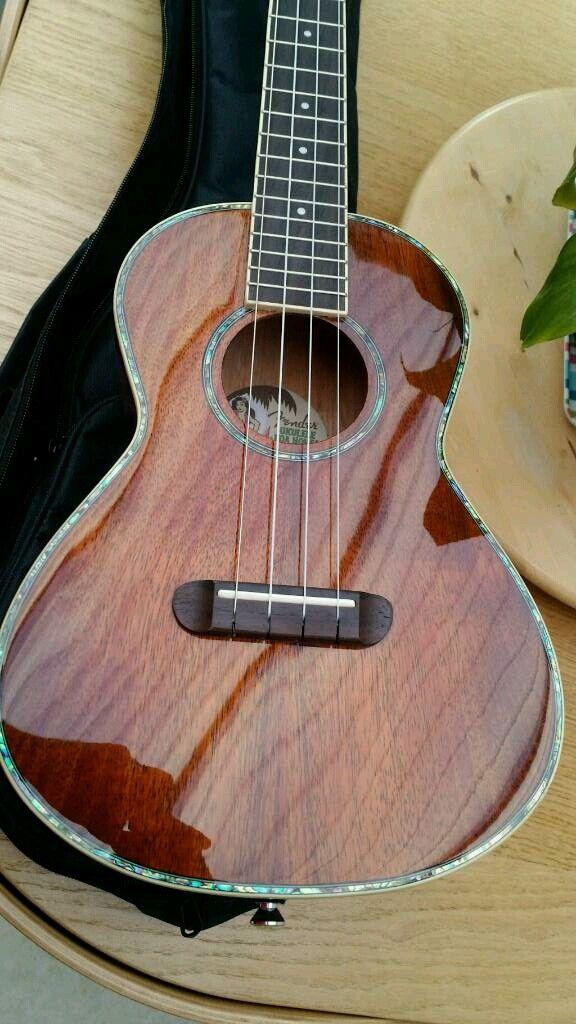 Mint Fender Koa Nohea tenor ukulele