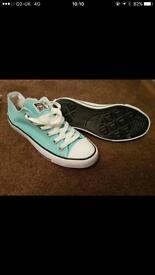 Size 6 converse
