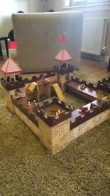 Children's wooden Fort *reduced *