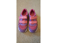 Clarks kids shoes, trainers size 10.5E (they still flash!)