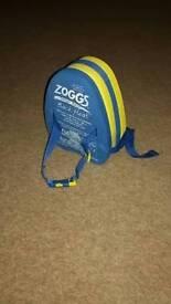 Zoggs swim back float