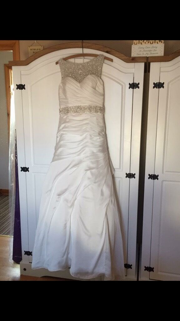 Wedding Dress For Salein Newry, County DownGumtree - Wedding Dress in Great Condition Paid £1300 less than a year ago USA size 8