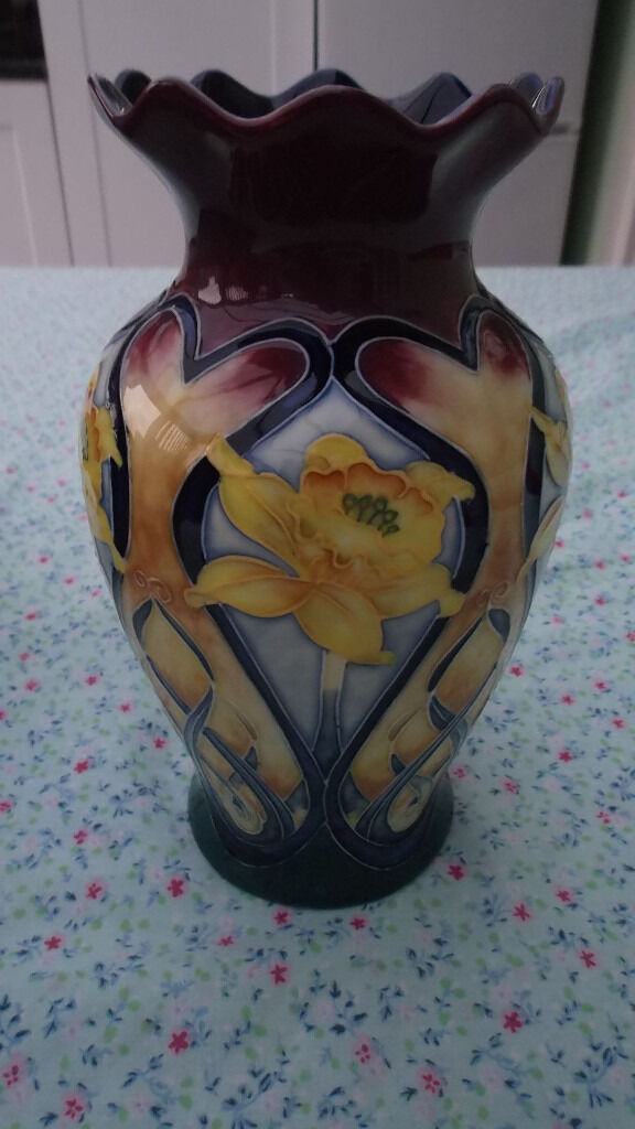 Old Tupton Ware The Collection 195cm Daffodil Vase Frill Top X 2