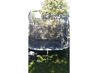10ft rounf trampoline with safety net