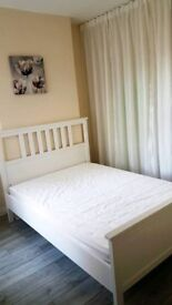 Double room in a clean and spacious garden house close to town, easy access to the airport