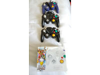 4xGame Cube controllers incl. 1xNew *ORIGINAL*!