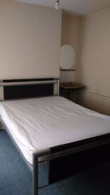 double room to rent on Dunluce Avenue