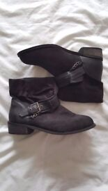 New Look Brand New Boots Size 7 black suede – never worn