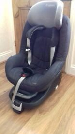 Maxi Cosi Pearl car seat and Family Fix isofix base