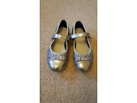 Clarks kids' shoes size 9F, as new