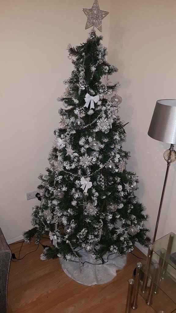 Christmas Net Lights Clearance.Clearance Big 7ft Xmas Tree With Snow Effect Lights And All Decorations In Top Valley Nottinghamshire Gumtree