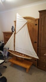LARGE NOBLE Ship £40 ono Model Sailing Yacht 125cm Wood with Quilted stoffsegeln Boat can deliver