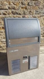 SCOTSMAN EC 106 SELF CONTAINED ICE CUBER WITH DRAIN PUMP (50KG/24HR)
