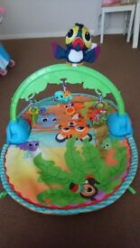 Little tikes good vibrations deluxe gym / baby playmat