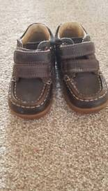 size 4g clarks shoes