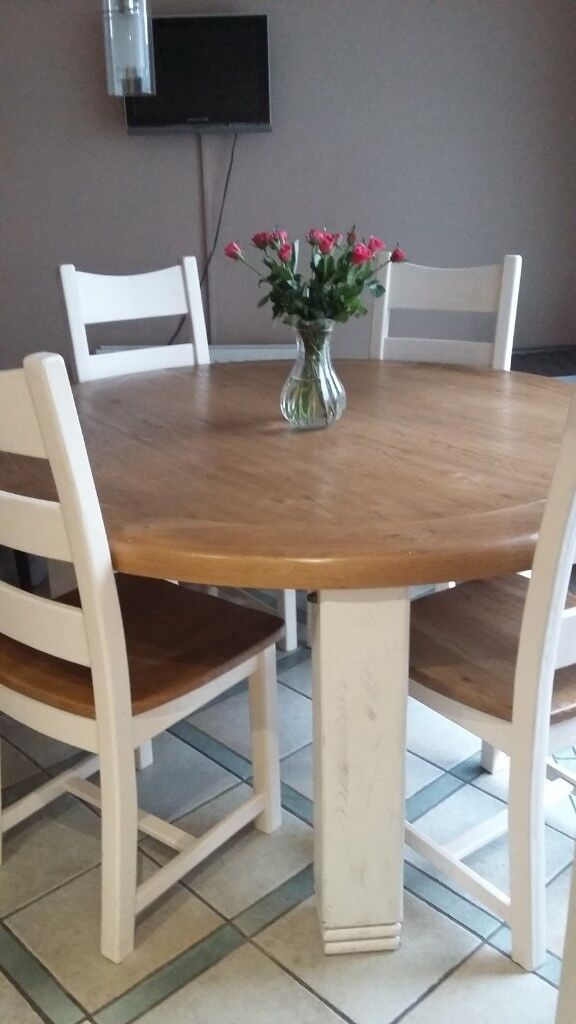 Beautiful Solid Wood Dining Table With 6 Chairs In Londonderry