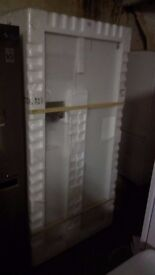SAMSUNG white American fridge freezer, with water and ice dispenser, new Ex display