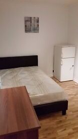 Double rooms to rent available right now