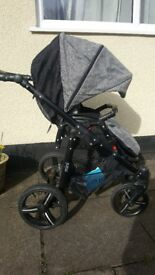 Venicci 3 in 1 Travel System inc Isofix base