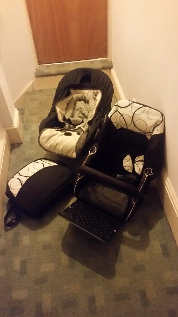 Neutral 3 in 1 white and black push chair great condition