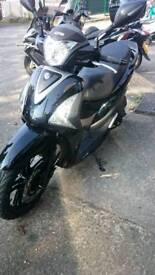 SYM ST125 scooter v. Low mileage 65 plate
