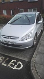 peugeot 307 05 plate offers spares or repair timing belt snapped. was mot till next june 2018